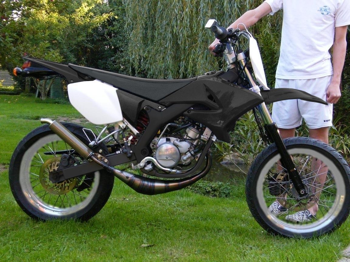 Yamaha DT50 Black&White