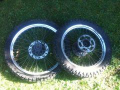 Enduroflegen+Reifen+Kranzl+Bremsscheiben zu verkaufen