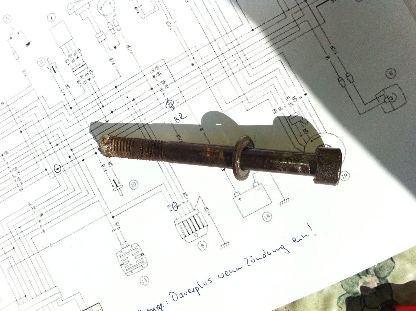 Die wohl zickigste Schraube der Welt!