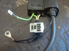 Wo kommen die 2 markierten Kabel dran ?